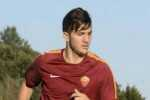 epa04369722 A handout picture provided by AS Roma shows new defender of AS Roma, Greek Konstantinos Manolas in action during his first training session in Trigoria, Rome, Italy, 26 August 2014.  EPA/LUCIANO ROSSI/AS ROMA  HANDOUT EDITORIAL USE ONLY/NO SALES