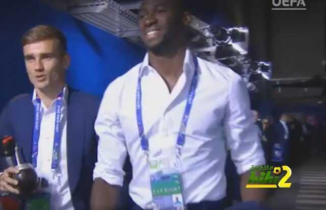 صور : وصول المنتخب الفرنسي إلى ملعب فرنسا الكبير لمباراة نهائي الحلم ! coobra.net
