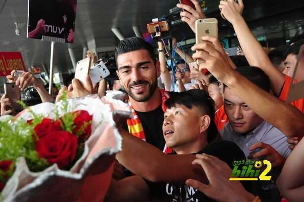 صورة : استقبال حافل لبيلي في الصين coobra.net