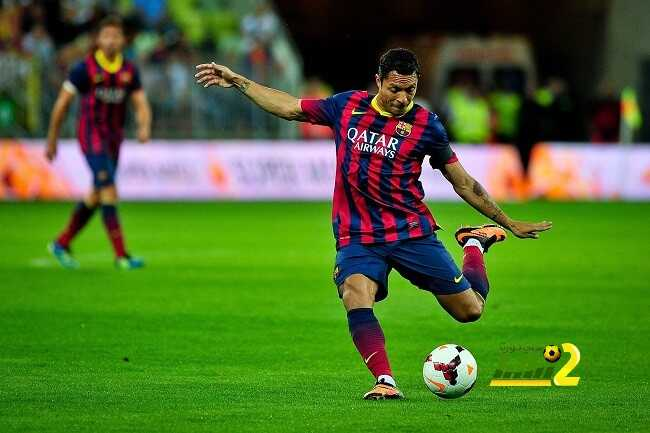 وكيل أعمال أدريانو يؤكد على رغبة اللاعب في البقاء بصفوف برشلونة.! coobra.net