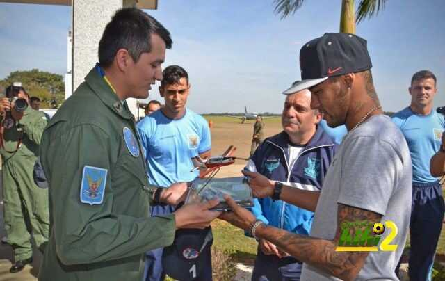 صور : زيارة عسكرية لنيمار coobra.net
