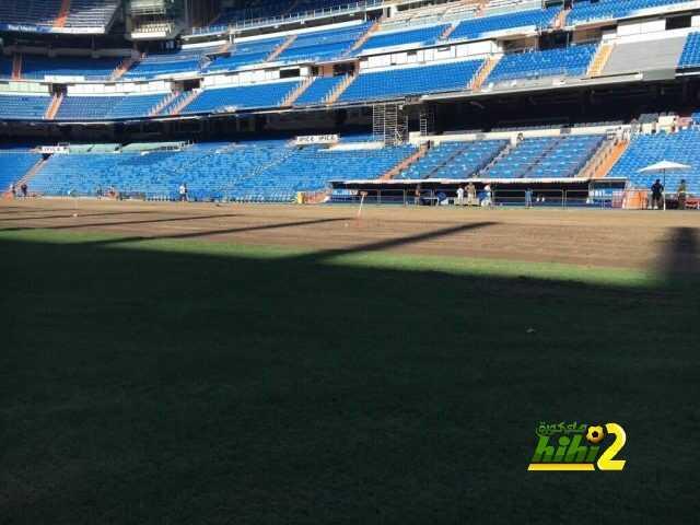 صور : تجديد عشب البيرنابيو استعدادا للموسم الجديد coobra.net