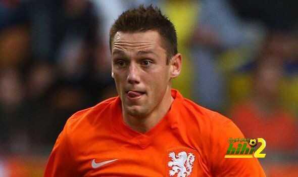 تشيلسي يقارب الدولي الهولندي ستيفان مدافع نادي لازيو ! coobra.net
