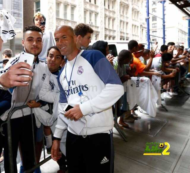 صورة : احتشاد المشجعين لا ينتهي حول ريال مدريد في نيويورك coobra.net