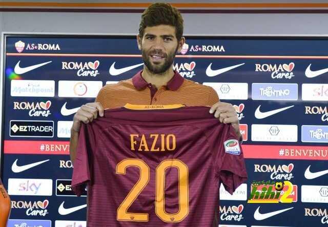 صورة : فازيو يكشف عن رقم قميصه رفقة روما coobra.net