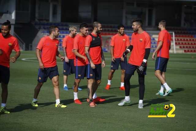 صور : أخر استعدادات برشلونة لمواجهة بيتيس coobra.net