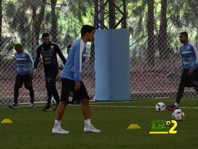 صورة : سواريز يستعد رفقة منتخب الآوروجواي لتصفيات كأس العالم coobra.net