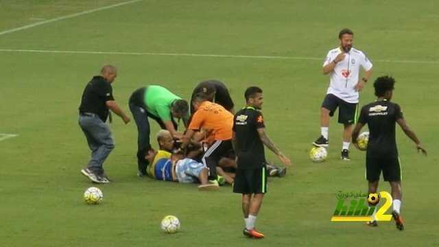 صورة : نيمار يسقط أرضا بسبب المشجعين coobra.net