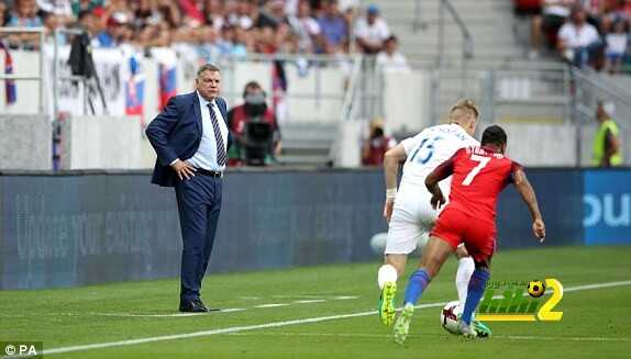 فيديو : انجلترا تحقق فوزاً صعباً على سلوفاكيا coobra.net