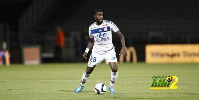 رسميا : لاعب ليون مفومبا يعود مجانا لناديه السابق بالدوري الفرنسي coobra.net