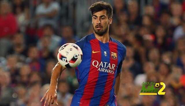 جوميز الأفضل بين لاعبي برشلونة coobra.net