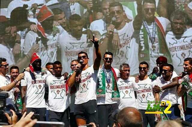 رونالدو يسترجع لحظات تكريم منتخب البرتغال إثر الفوز باليورو coobra.net