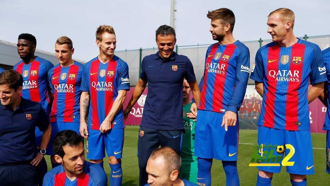صور : كواليس التقاط نجوم برشلونة الصورة الرسمية لهذا الموسم coobra.net
