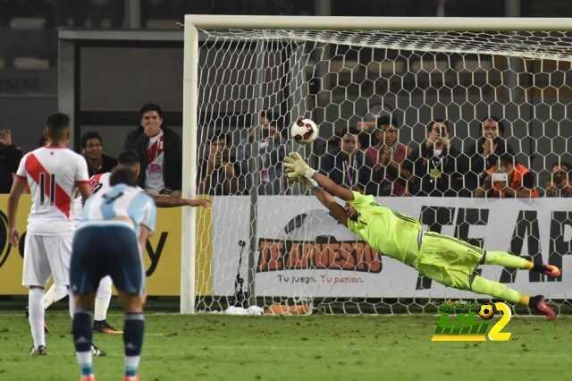 صورة : هكذا حاول الأرجنتيني روميرو التصدي لركلة الجزاء ! coobra.net